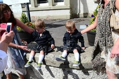 Scozia i genitori li perdono di vista gemellini di 2 for Vasca pesci giardino
