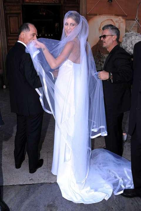 Matrimonio Pasquale Romano E Greta Lomaglio : Parata di vip alle nozze romano lomaglio olycom il