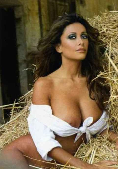 hot series on tv chat romania italia