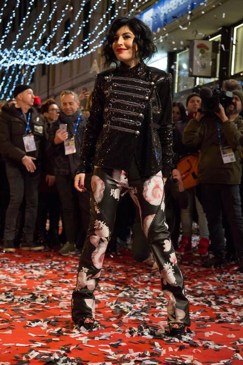 Sanremo, le star sfilano sul red carpet (Foto di Davide ...