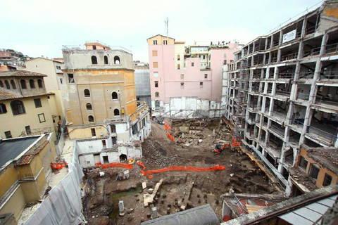 Il quartiere della roma imperiale riaffiorato durante for Rinascente via del tritone ristorante