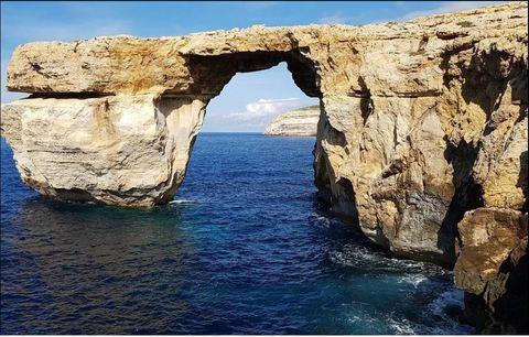 Malta crolla la finestra azzurra il - La finestra azzurra gozo ...