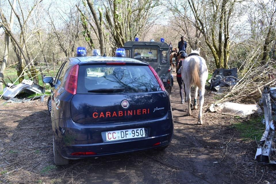 roma scoperta la centrale segreta delle auto rubate quattro arresti veicoli smembrati subito. Black Bedroom Furniture Sets. Home Design Ideas