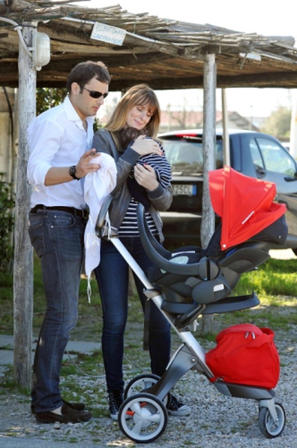 Serena autieri il marito enrico griselli e la figlia - La diva giulia ...