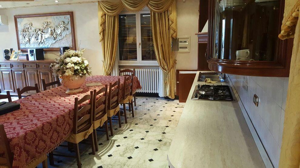 Roma l 39 ex villa dei casamonica alla romanina il for Interno ville foto