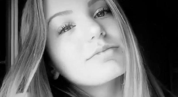 Vittoria De Paoli morta in un incidente in Vespa: aveva 14 anni ...